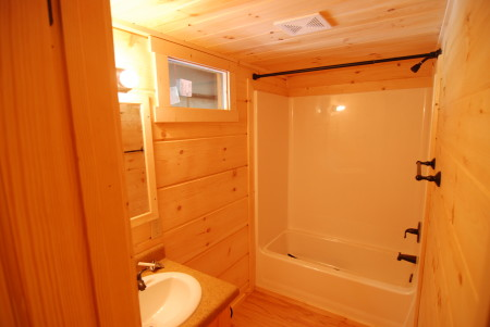 Std 54 Tub Shower And Fixtures Mountain Recreation Log